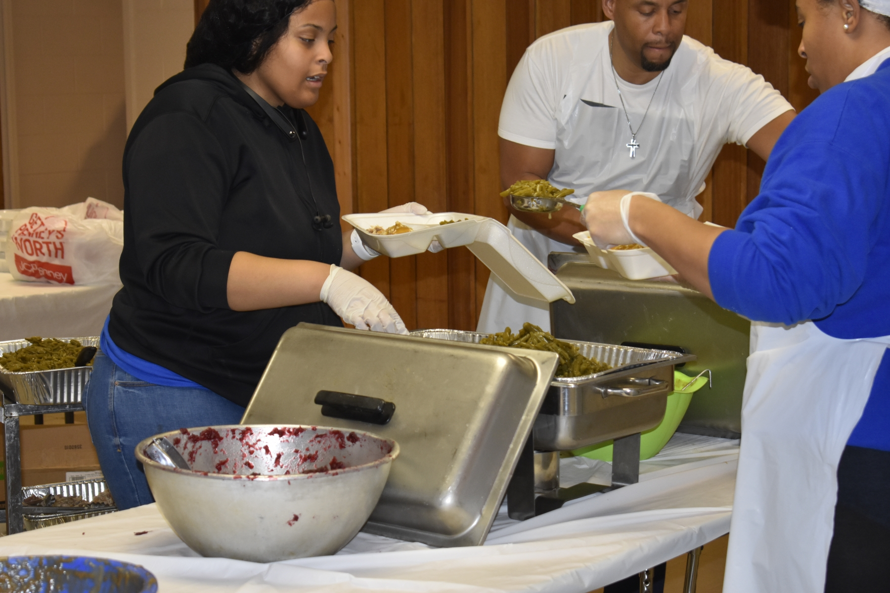 Thanksgiving Dinners for the Needy